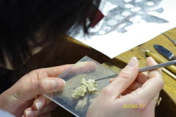 Réalisation d'un pendentif salamandre en or. Salamandre2