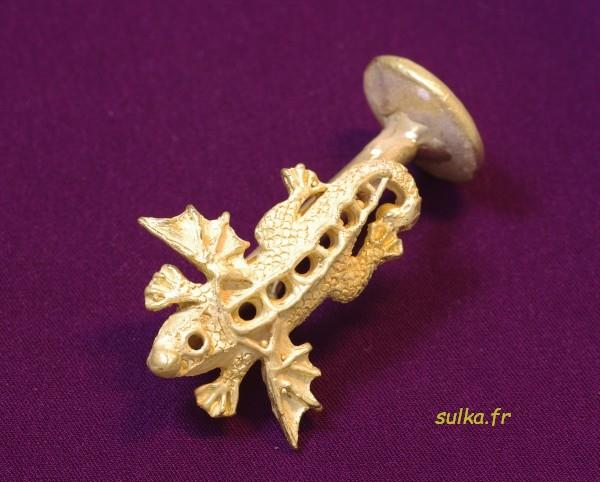 Réalisation d'un pendentif salamandre en or. Salamandre8
